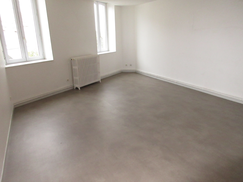 LOCATION APPARTEMENT F4 CENTRE VILLE MONTLUCON