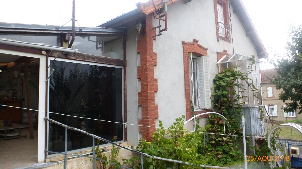 Maison d'habitation type F3 avec terrain