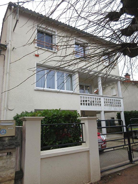 Maison Montlucon 6 pièce(s) 166 m2