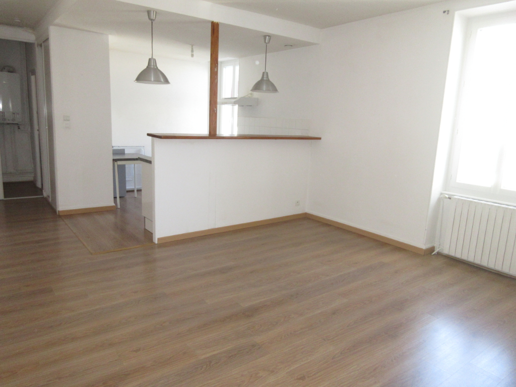 LOCATION APPARTEMENT F1 STUDIO MONTLUCON