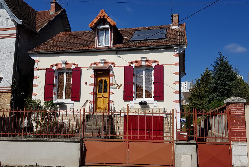 Maison Montlucon 6 pièce(s) 149 m2