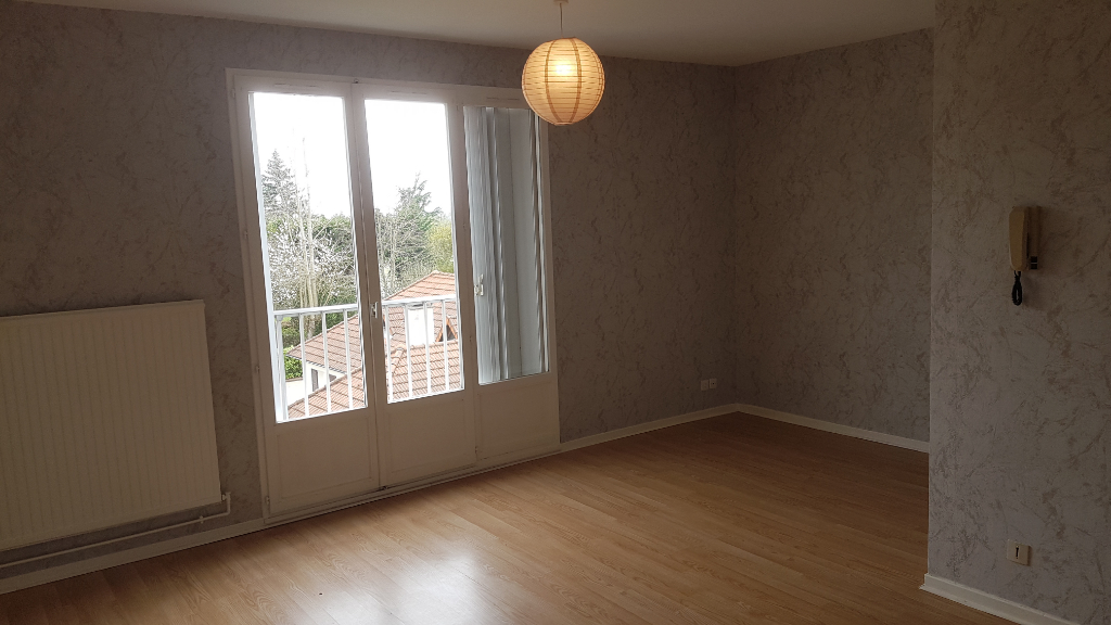 APPARTEMENT F3 A VICHY