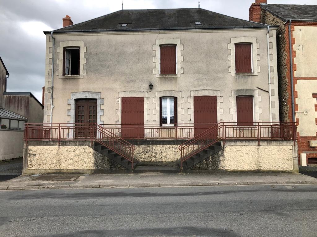 Maison 8 pièces SAINT-MARIEN - Creuse