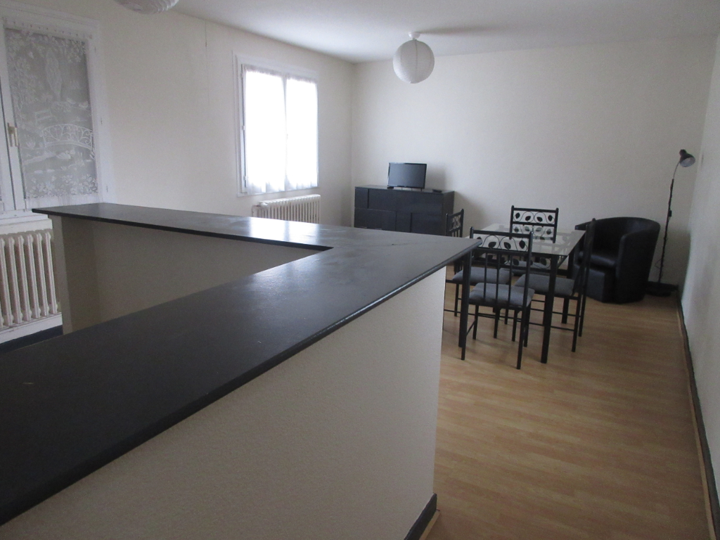 LOCATION APPARTEMENT F2 MEUBLE CENTRE VILLE MONTLUCON
