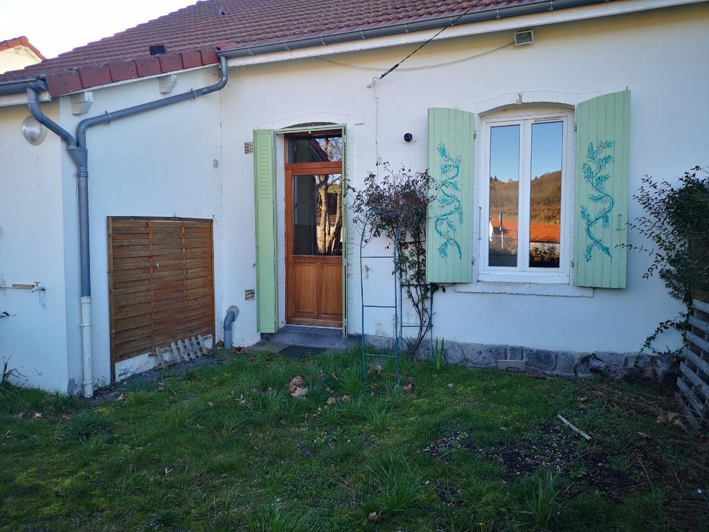 Maison d'habitation type F3 avec terrain.