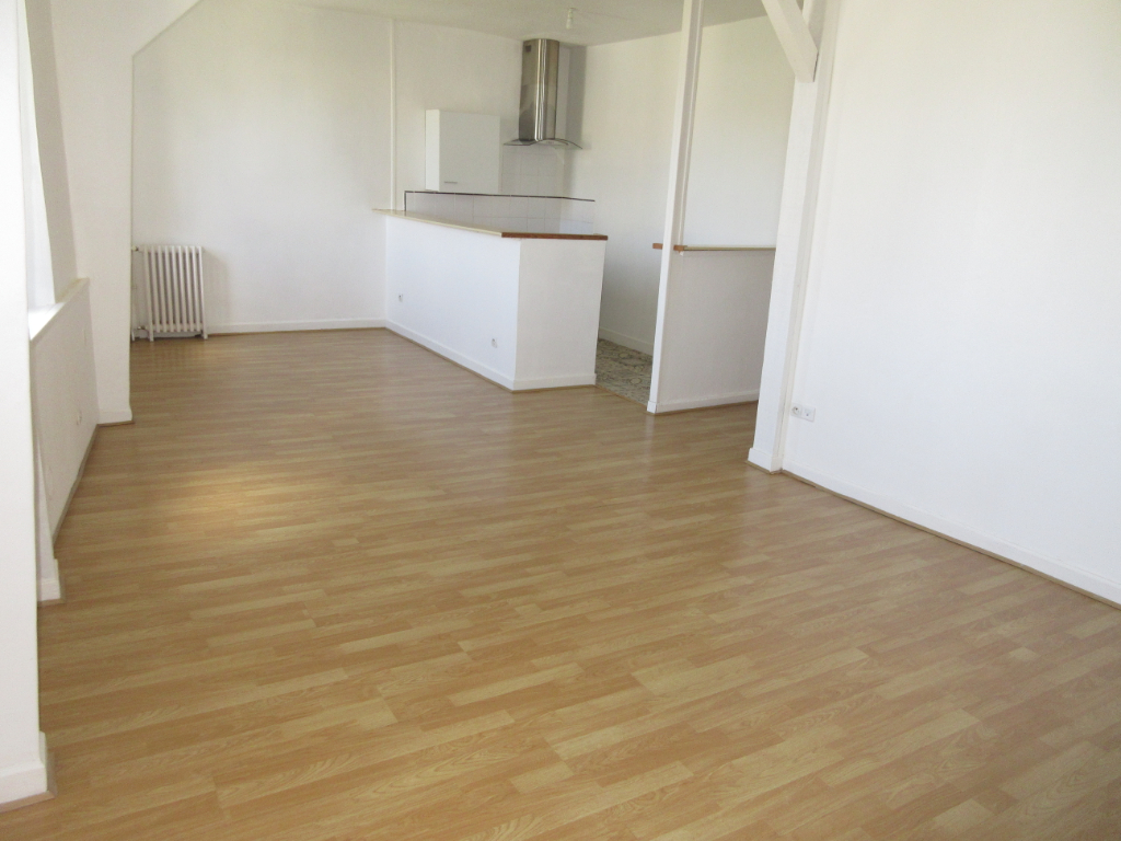 LOCATION APPARTEMENT F3 CENTRE VILLE MONTLUCON