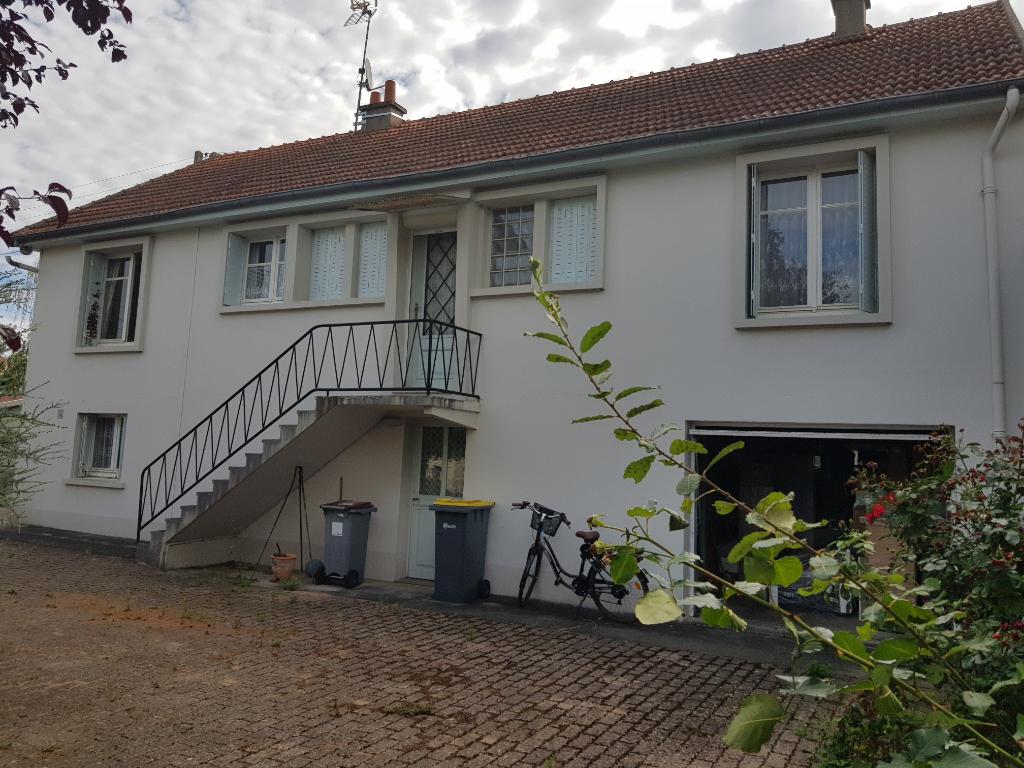 Maison Commentry 5 pièce(s) 100 m2
