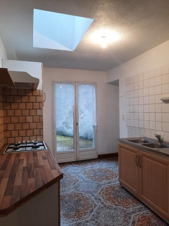A louer Maison Menat avec cour intérieure