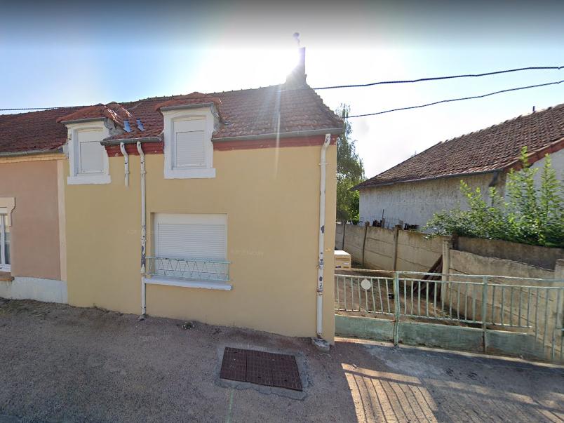 Adorable petite maison à Doyet