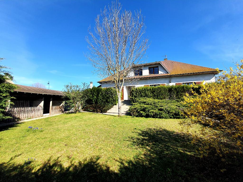 Maison Villebret 6 pièce(s) 165 m2