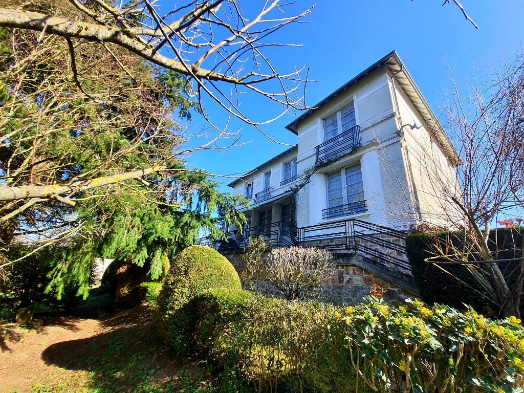 Villa Neris Les Bains 7 pièce(s) 175 m2