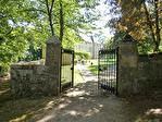 LOCATION VACANCES : STRENQUELS, logement dans château, 6 couchages avec parc, piscine et tennis.