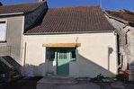 MARTEL Charmante maisonnette de village en pierre, habitable de suite au coeur de Martel, avec terrasse et jardinet. Proche des commerces à pied.