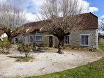 SAINT-SOZY  Maison en pierre à rénover proche commerces et Dordogne à pied.