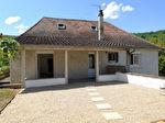 SAINT SOZY - Maison élevée sur sous-sol, entièrement rénovée, 3 chambres, un jardin.  A pieds aux commerces, aux écoles et à la Dordogne.