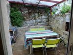 Maison de bourg en pierre avec patio
