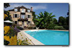 VIGNON-EN-QUERCY Mansion with attached barn, park and pool