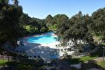 T2 + mezzanine, piscine et vue golf