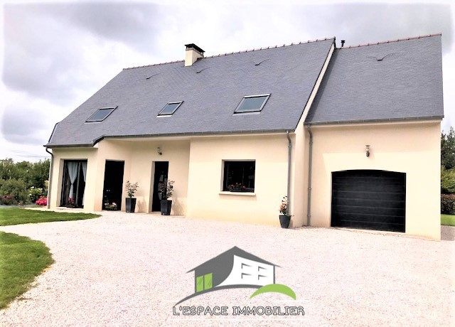 Maison 6 pièces, 4 chambres + bureau, 166 m² environ , terrain 11479 m²