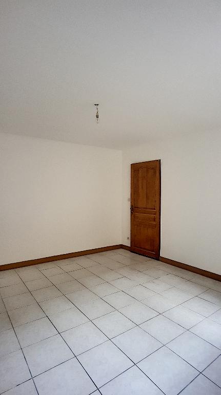 A louer Appartement LIGNY EN BARROIS 53m² 250