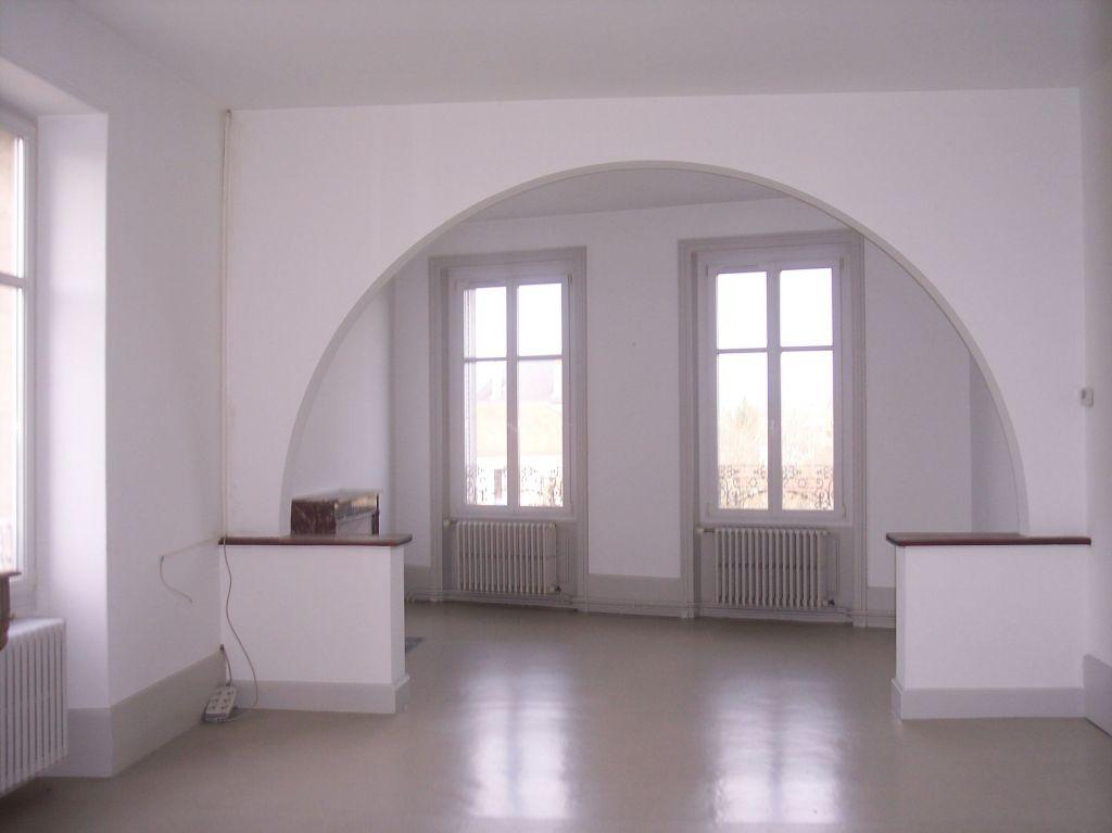 A louer Appartement REVIGNY SUR ORNAIN 180m² 664 5 piéces