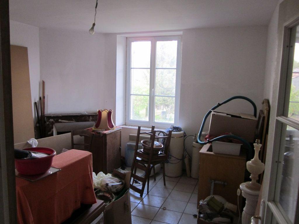 A vendre Maison LACROIX SUR MEUSE 85m² 55.000 4 piéces
