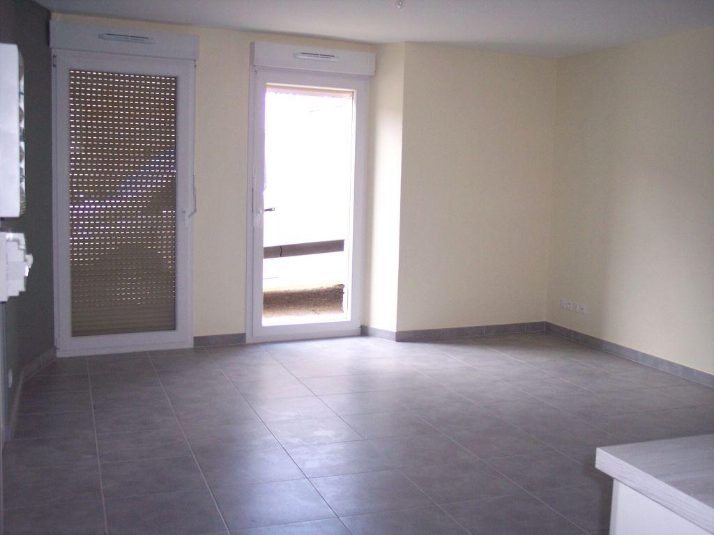 A louer Appartement HEVILLIERS 83m² 3 piéces