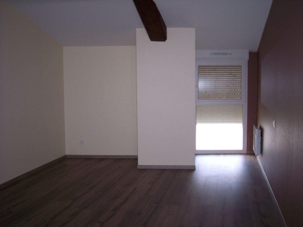 A louer Appartement HEVILLIERS 450 3 piéces