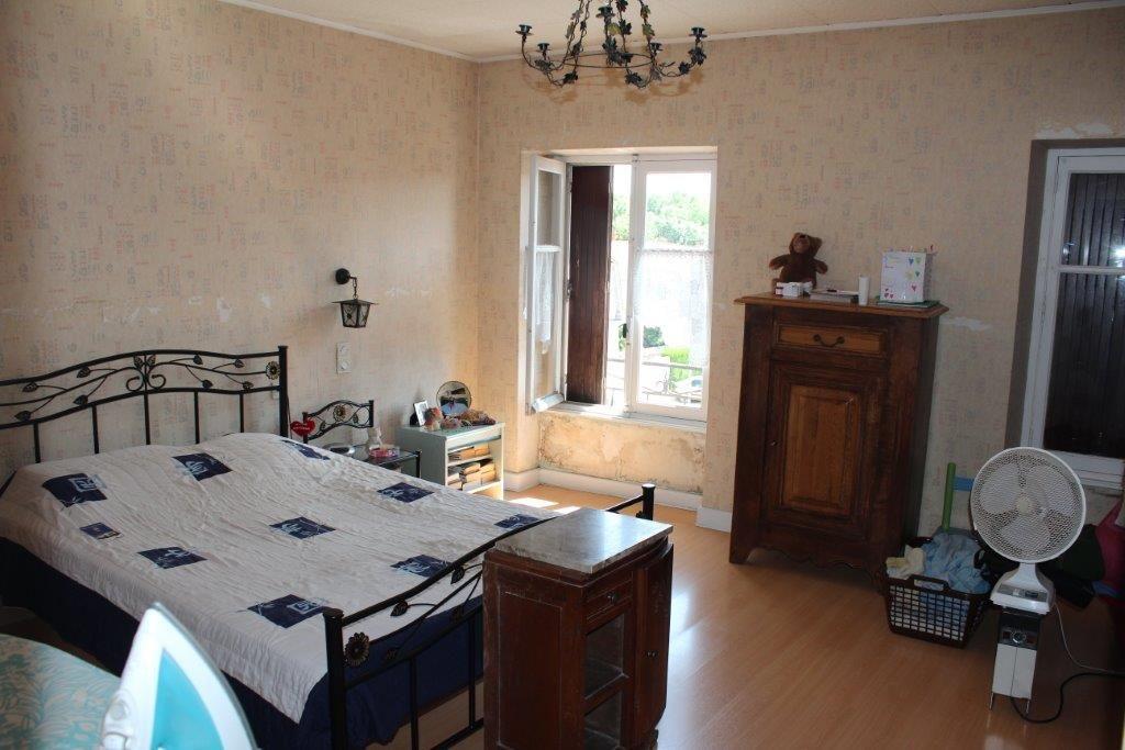 A vendre Maison GONDRECOURT LE CHATEAU 177m² 72.000 7 piéces