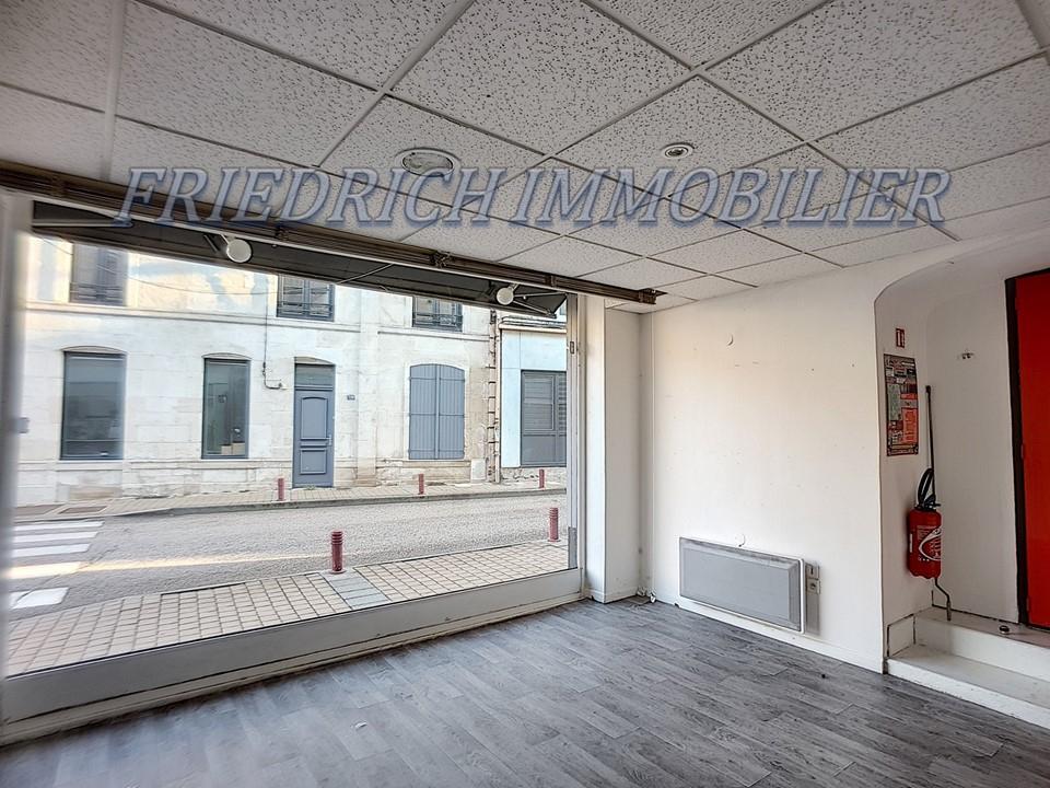 A vendre Local commercial LIGNY EN BARROIS 81.11m²  piéces