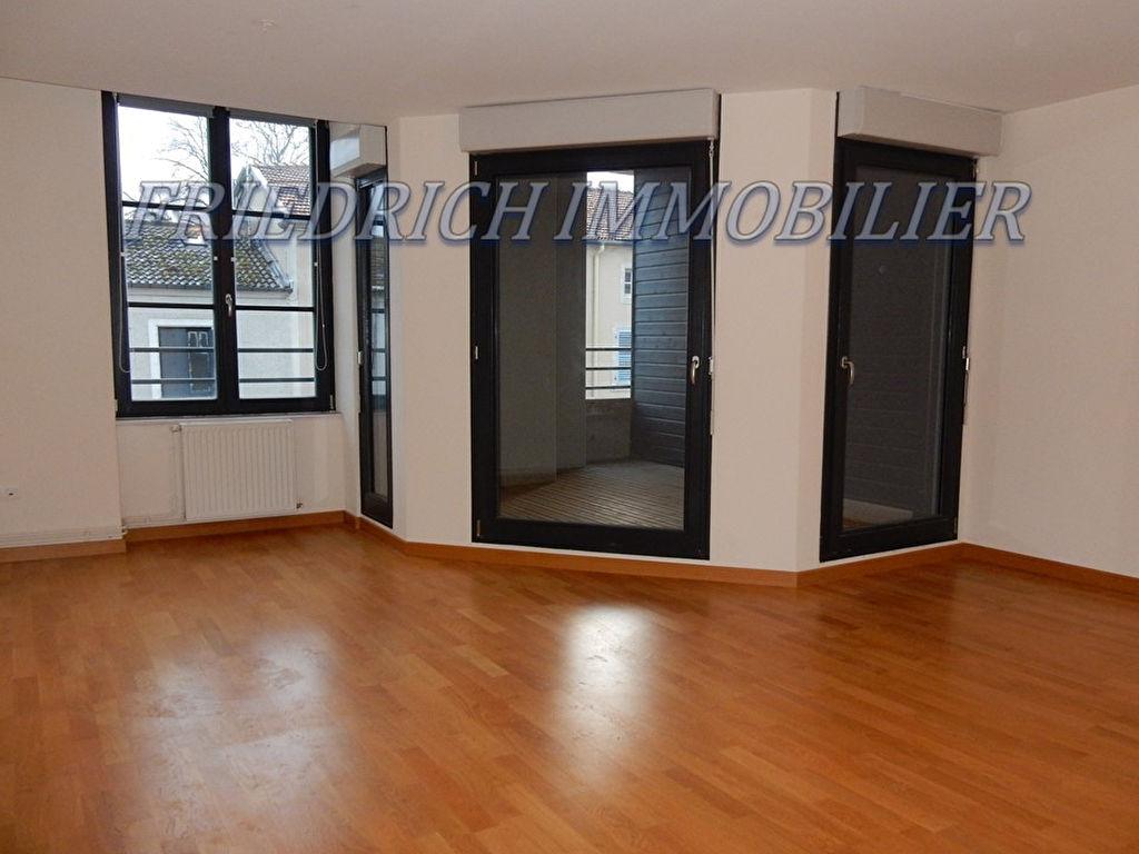 A louer Appartement GONDRECOURT LE CHATEAU 83m² 468
