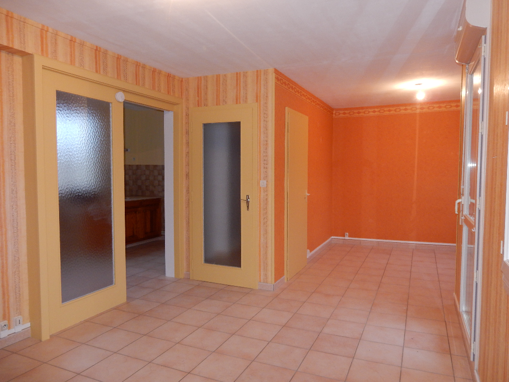 A louer Appartement LIGNY EN BARROIS 73m² 380