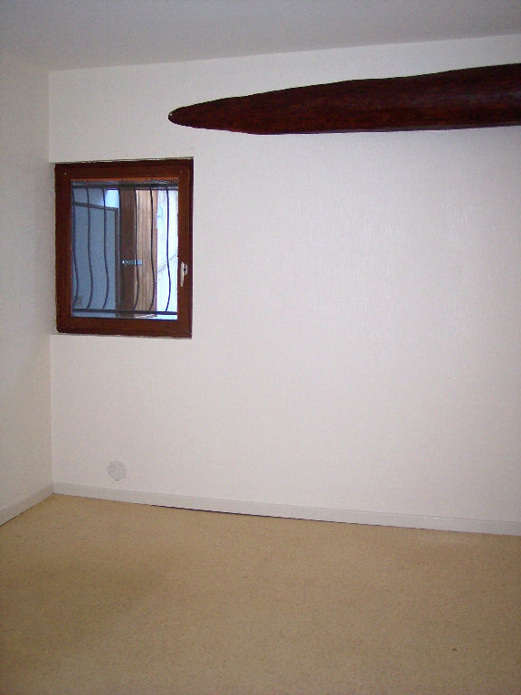 APPARTEMENT F1 Bis Centre-ville
