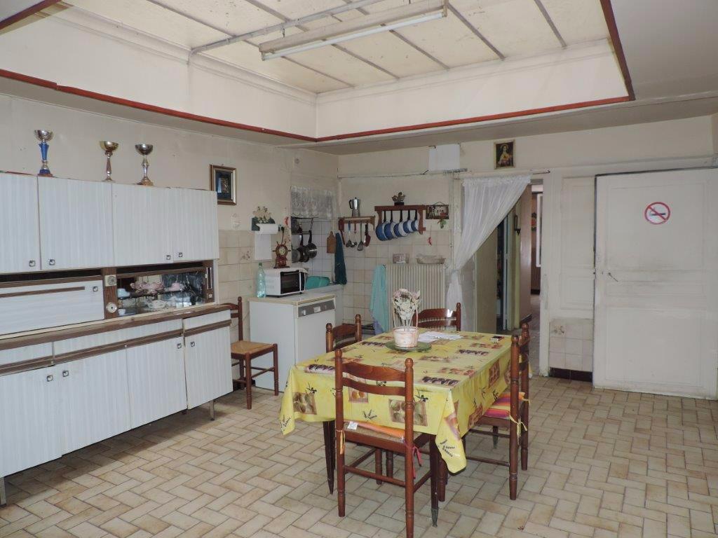 Maison de village à rénover - Proche BAR LE DUC