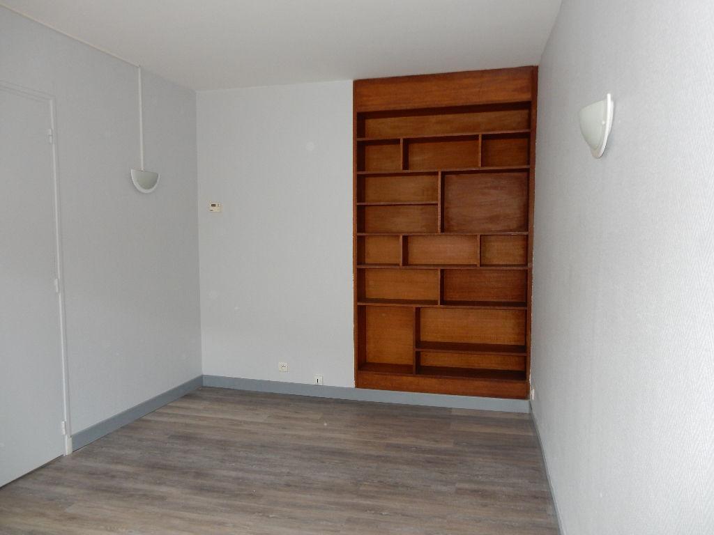 A louer Maison LONGEAUX 140m² 520