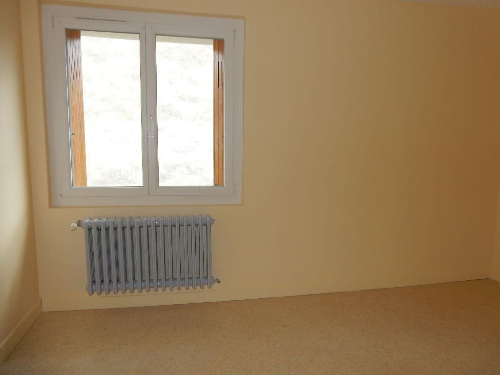 A louer Maison LONGEAUX 520
