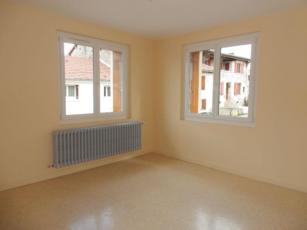 A louer Maison LONGEAUX 140m² 520 6 piéces