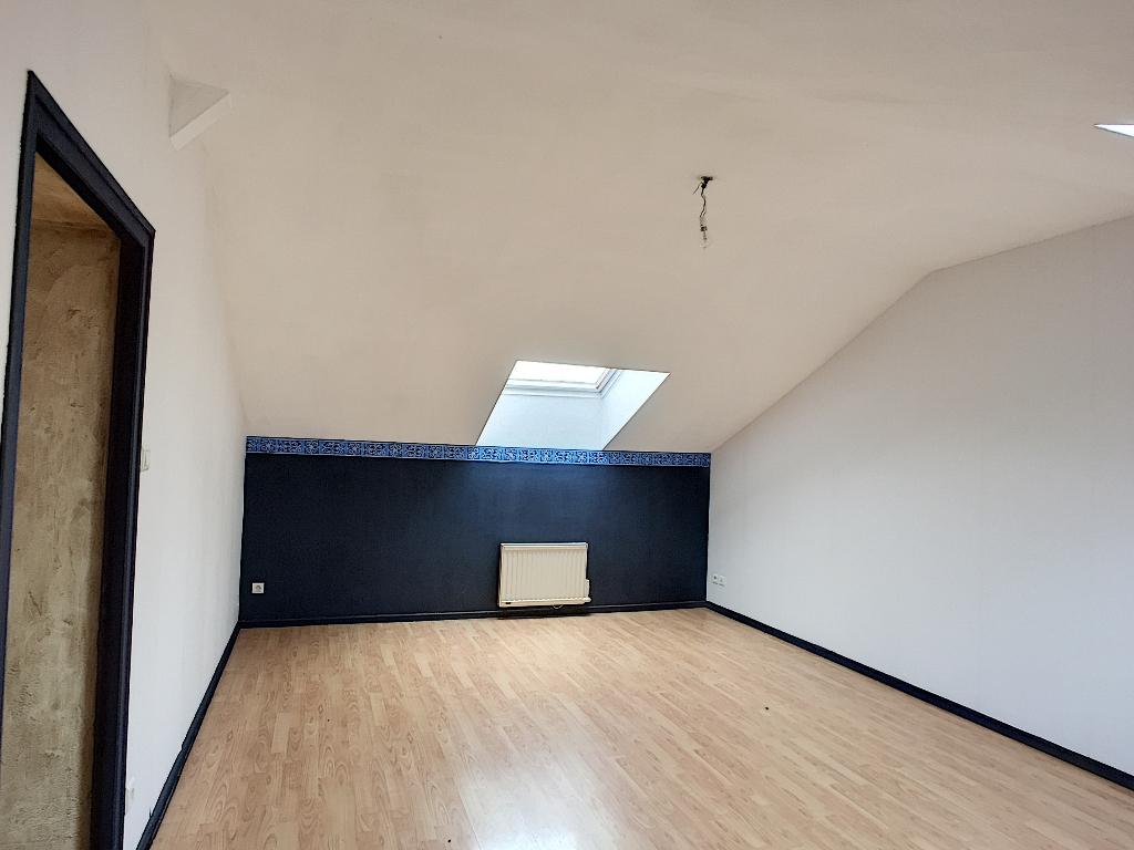 A louer Appartement LEROUVILLE 69m² 350