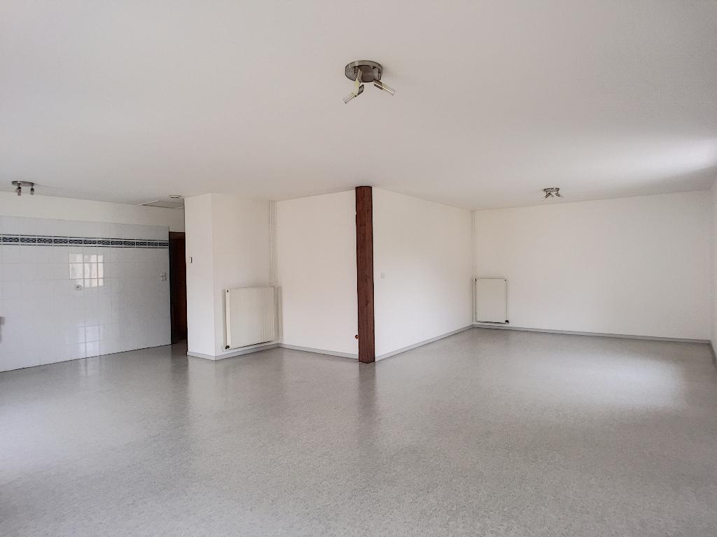 Appartement très lumineux au 1er étage - LEROUVILLE