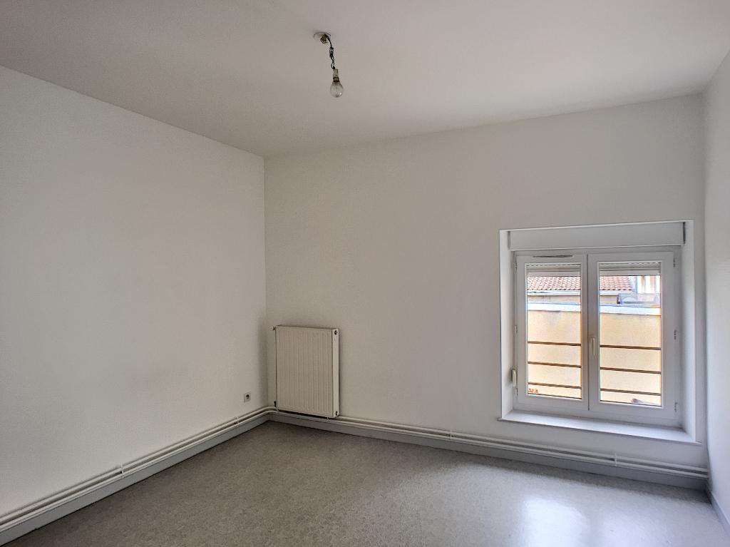 A louer Appartement LEROUVILLE 4 piéces