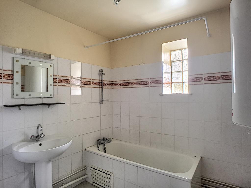 A louer Appartement LEROUVILLE 88m² 400 4 piéces