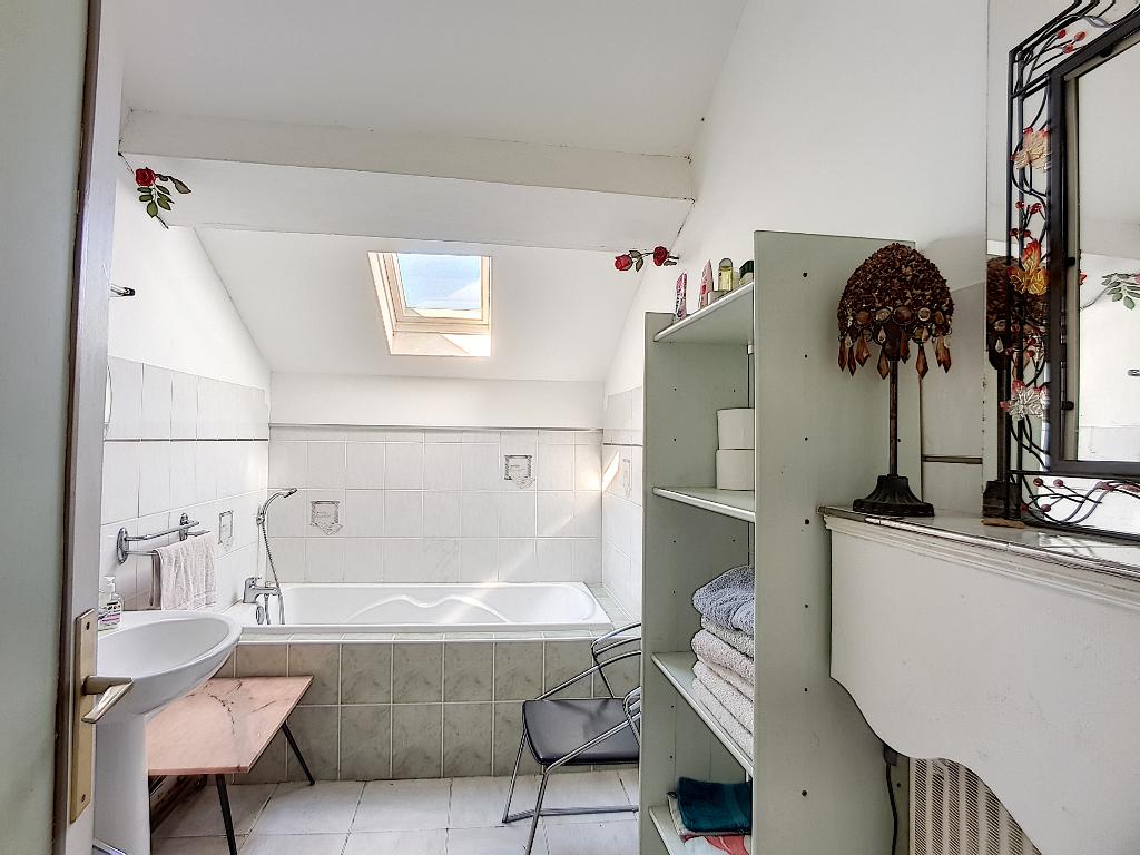 A vendre Maison SAINT JOIRE 210.63m² 145.000 6 piéces