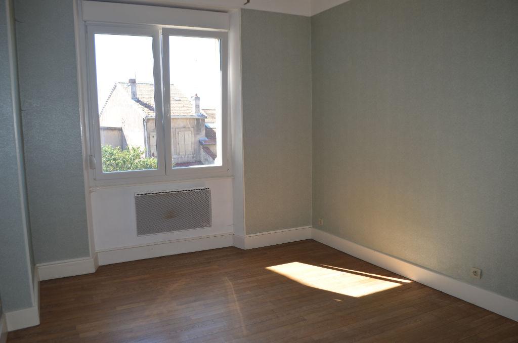 A louer Appartement COMMERCY 54m² 350 3 piéces