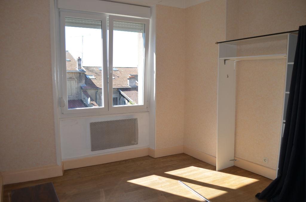 A louer Appartement COMMERCY 370 3 piéces