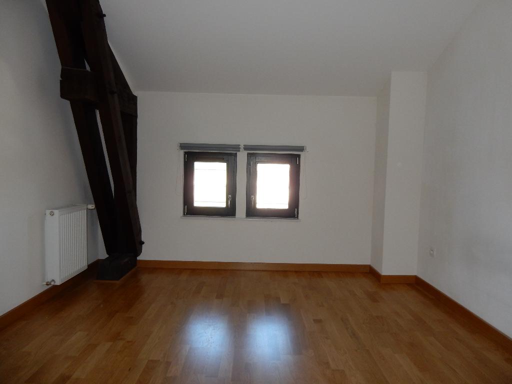 A louer Appartement GONDRECOURT LE CHATEAU 83m² 470 3 piéces