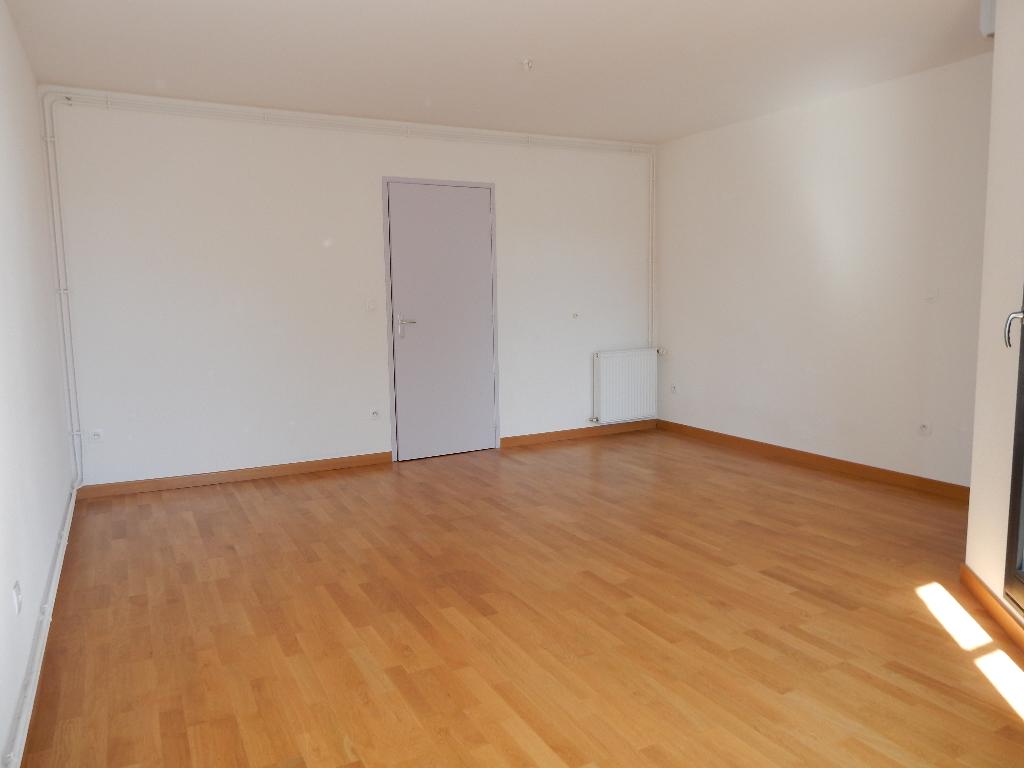 A louer Appartement GONDRECOURT LE CHATEAU 3 piéces