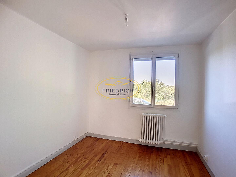 A louer Appartement GONDRECOURT LE CHATEAU 308