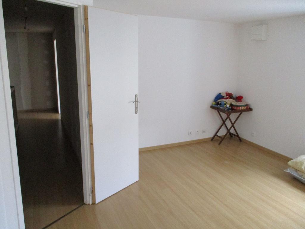 A vendre Maison VAUCOULEURS 100m² 66.000 4 piéces