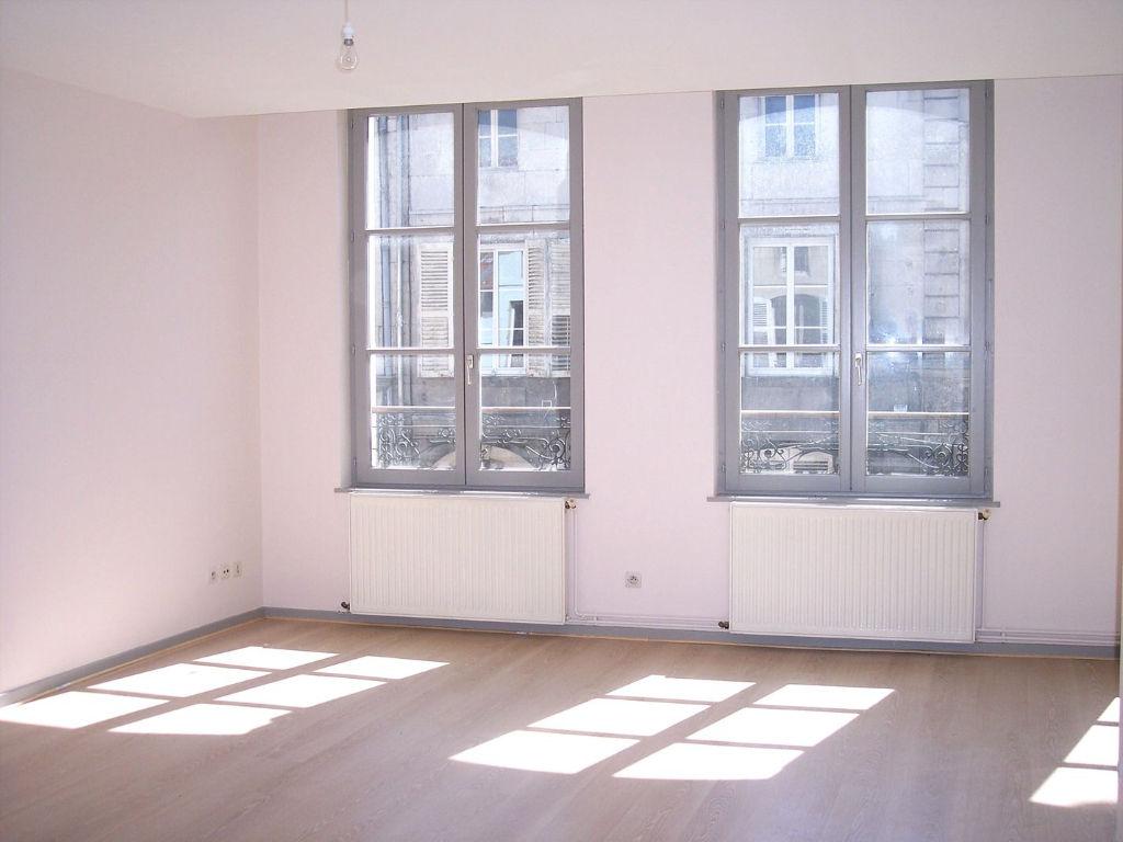 A louer Appartement LIGNY EN BARROIS 75m² 350 2 piéces
