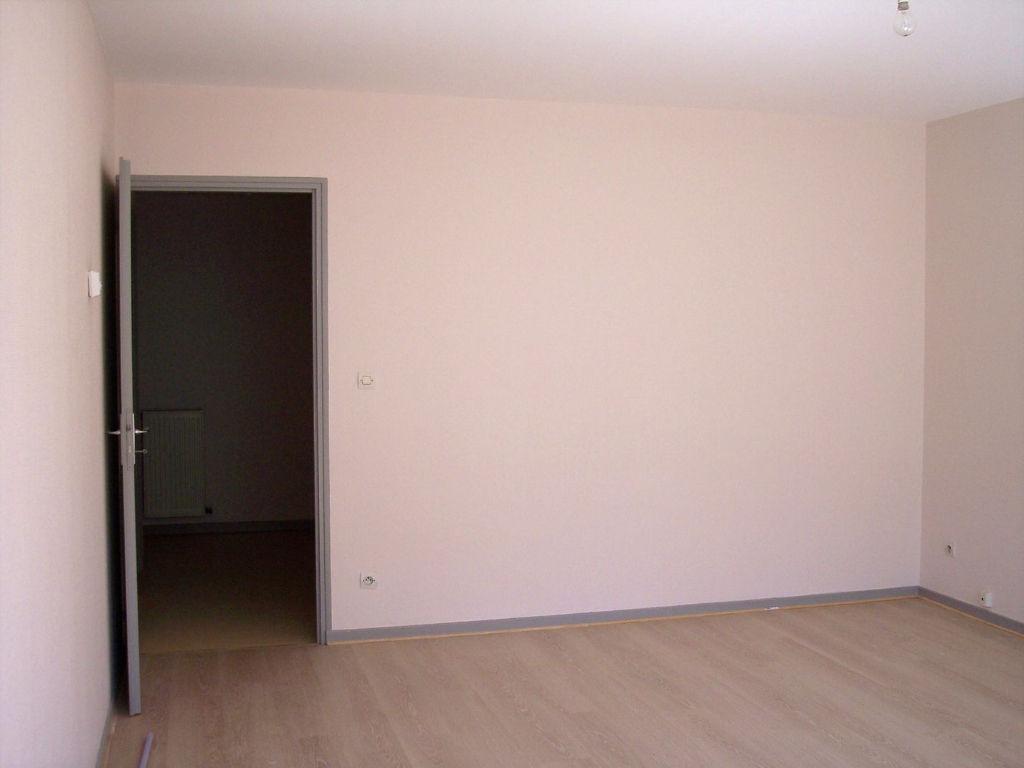 A louer Appartement LIGNY EN BARROIS 75m² 2 piéces